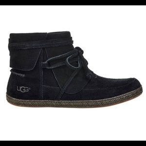 UGG Reid Moccasin Suede Leather Bootie Size 7